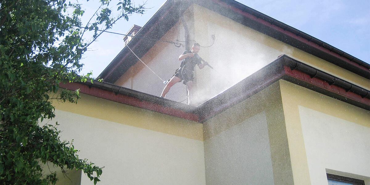 Mycie dachu wzabudowie jednorodzinnej