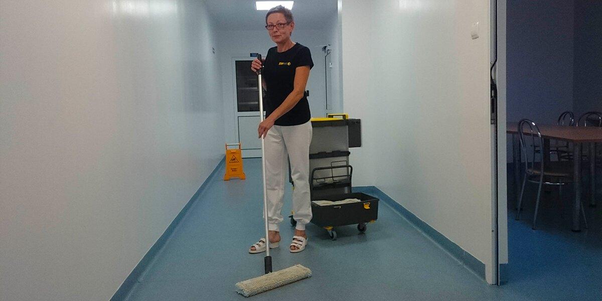 Gruntowne czyszczenie wstacji pogotowia